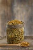Polen de la abeja en un pote Fotos de archivo libres de regalías