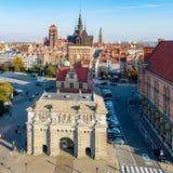 polen De oude stad van Gdansk met stadspoorten royalty-vrije stock foto