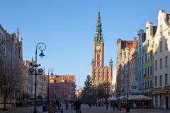 POLEN GDANSK - DECEMBER 14, 2014: Berömd Dlugi Targ för lång marknad gata för jul Arkivfoton