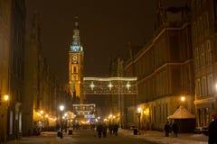 POLEN, GDANSK - DECEMBER 30, 2014: Nigh stad op de Lange straat van Marktdlugi Targ vóór Kerstmis Royalty-vrije Stock Afbeelding