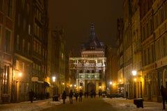 POLEN, GDANSK - DECEMBER 30, 2014: Nigh stad op de Lange straat van Marktdlugi Targ vóór Kerstmis Royalty-vrije Stock Foto