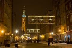 POLEN, GDANSK - DECEMBER 30, 2014: Nigh stad op de Lange straat van Marktdlugi Targ vóór Kerstmis Stock Fotografie