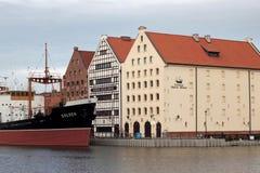 POLEN, GDANSK - 21. DEZEMBER 2013: Ansicht der historischen Gebäude der Insel Olowianka Lizenzfreie Stockbilder