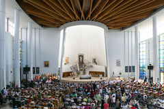 POLEN KRAKOW - MAJ 28, 2016: Fristad i Lagiewniki Basilika av den gudomliga förskoningen Royaltyfria Bilder