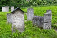 POLEN KRAKOW - MAJ 27, 2016: Gammal judisk kyrkogård bredvid den Remuh synagogan Arkivbilder