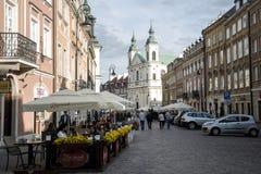 Polen - Warschau - 08 05 2015 - Stadtalltagslebenleute Warschaus Polen romantische alte Stockbild