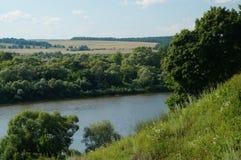 Polenovo, vistas del río Oka Fotos de archivo libres de regalías