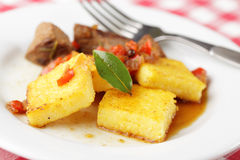 Polenta com carne Fotos de Stock Royalty Free