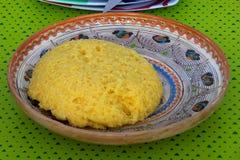 Polenta dans un plat traditionnel Images stock