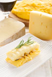 Polenta grelhado com queijo Fotografia de Stock