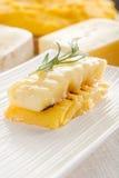 Polenta grillé avec du fromage photo stock