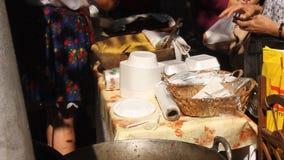 Polenta met koolbroodjes stock footage