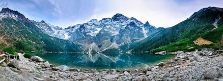 Polerad Tatra bergMorskie Oko lake Fotografering för Bildbyråer