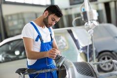 Polerade skrapor för auto mekaniker Fotografering för Bildbyråer
