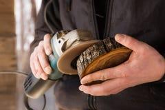 Polerat trä för hand fotografering för bildbyråer