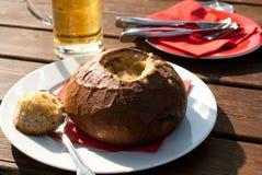 Polewka w bochenku chleb Obrazy Stock