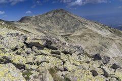 Polezhan peak and Upper Polezhansko lake, Pirin Mountain Royalty Free Stock Photos