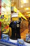 Policía agradable, Lego Store foto de archivo libre de regalías