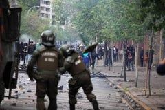 Policía antidisturbios en Chile Imagen de archivo libre de regalías