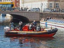 Policía danesa en el barco imagen de archivo libre de regalías