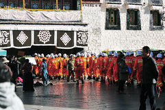 Policía en el Lasa, Tíbet Foto de archivo