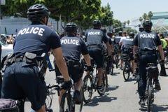 Policía en la calle durante los reyes Stanley Cup Parade Celebration del LA Fotos de archivo libres de regalías
