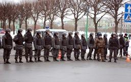 Policía en la reunión para las elecciones justas en Rusia Fotografía de archivo