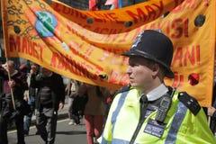 Policía y manifestantes Fotografía de archivo libre de regalías