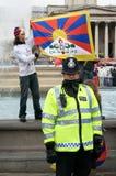 Policía y manifestantes Foto de archivo libre de regalías