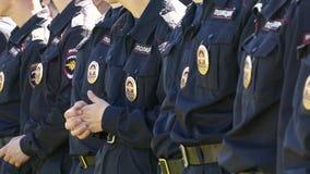 Policías en las filas almacen de video