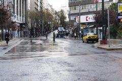 Policías griegos durante un acontecimiento de la demostración foto de archivo
