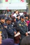 Policías no identificados en Wong Parade Foto de archivo libre de regalías
