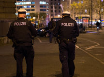 Police allemande la nuit Photographie stock