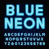 Police bleue d'alphabet de tube au néon Dactylographiez les lettres et les nombres sur un fond foncé Photos libres de droits
