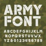 Police d'alphabet d'armée Caractères gras rayé lettres et nombres sur le fond de camo illustration de vecteur