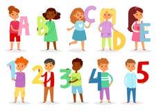 Police d'enfants de bande dessinée de vecteur d'alphabet d'enfants et caractère de garçon ou de fille tenant l'illustration de le illustration libre de droits
