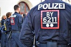 Police dans le football de répression des émeutes de Munich image libre de droits