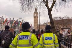 Police de Metroplitan dans la place du Parlement, Londres Images libres de droits