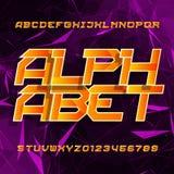 Police de vecteur futuriste d'alphabet Type oblique lettres et nombres sur un fond polygonal illustration libre de droits