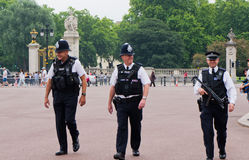 Police man. The police man in the front of Buckingham Palace Royalty Free Stock Images