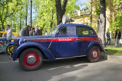 Police Moskvich-401 on the parade of vintage vehicles. Saint Petersburg Stock Image