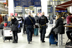 POLICE PRESENTS AT COPENHAGEN INT AIRPOT Stock Images