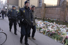 POLICE PRESENTS AT EXTENDED MEMORIAL AT SJEW SYNAGIGUE Stock Photography