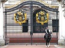 Policière montée au Buckingham Palace Photos libres de droits