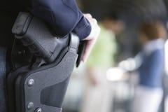 Policière sur la patrouille. Image libre de droits