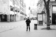 Policier surveilling le meurtre de Strasbourg par zone de terroriste photo stock