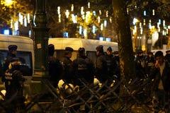 Policiers belges la nuit photographie stock libre de droits