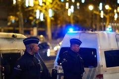 Policiers belges la nuit images libres de droits