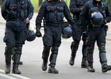 Policiers et patrouille de carabinieri de la ville Image libre de droits