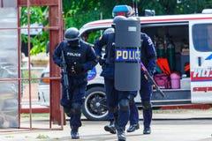 Policja aresztująca, policja, pistolet Obrazy Stock